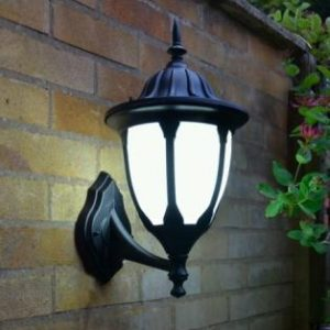 Amphora Traditional Wall Light