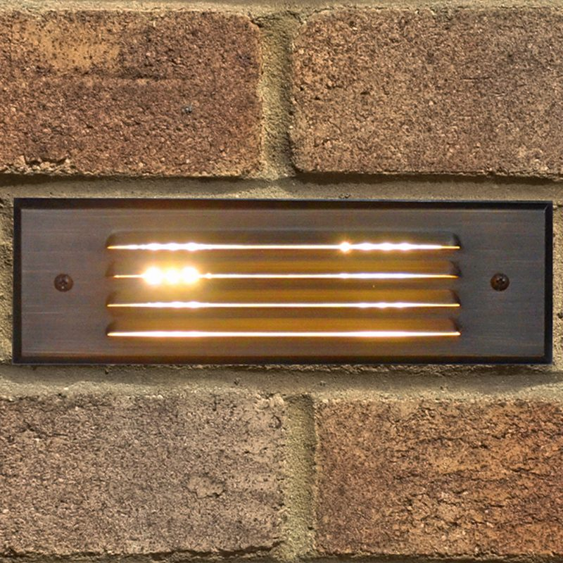Louvered bricklight in use