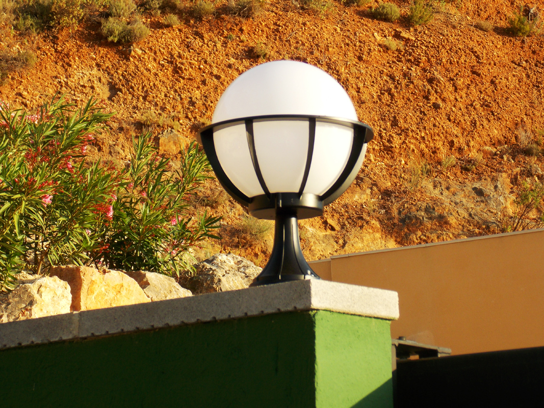 Saturn Pedestal Light Decorative Globe Light Outdoor
