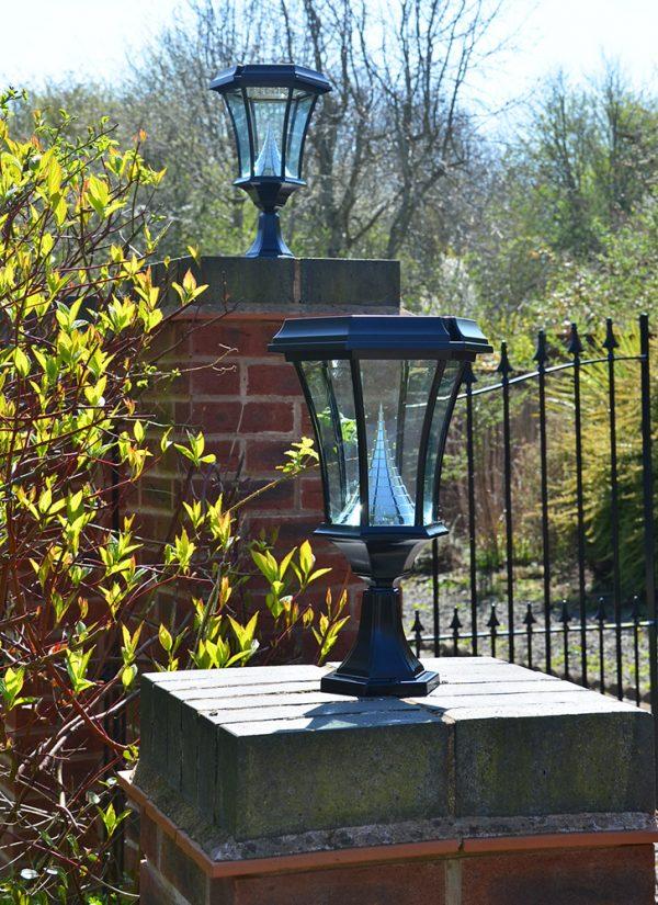 Solar gate post Lights