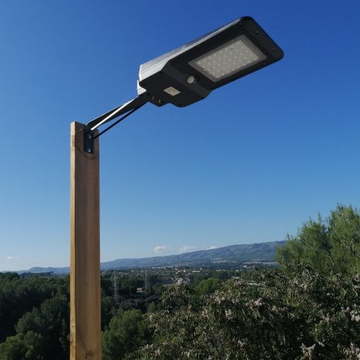 Hiway mounted on wooden post